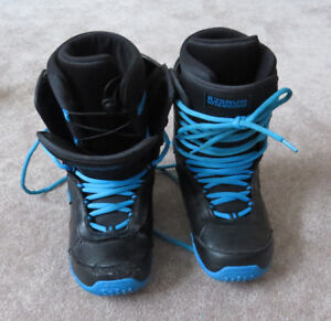 Size 7 Men's Snowboard Boots