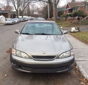 2000 Lexus ES 4 doors Sedan