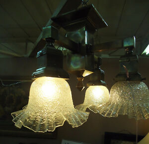 ANTIQUE ARTS & CRAFTS CEILING LIGHT FIXTURE West Island Greater Montréal image 1