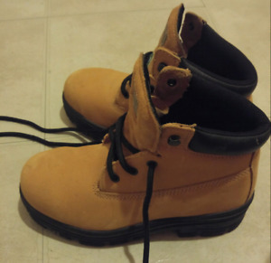 Women's DAKOTA Steel Toe safety work boots size 6