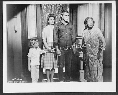Photo~ BABY THE RAIN MUST FALL ~1965 ~Steve McQueen ~Lee Remick ~Kimberly Block ()