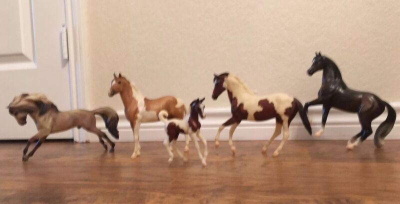 Lot of 5 Breyer Horses