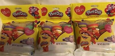 Play Doh Party Favors (Play-Doh Valentines Dough Birthday 3 Bags (45 Cans) Party Favor Classroom)