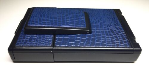 как выглядит Polaroid SX-70 Embossed Blue Reptile Townsend Leather PolaSkinz SLR680-SLR690 фото