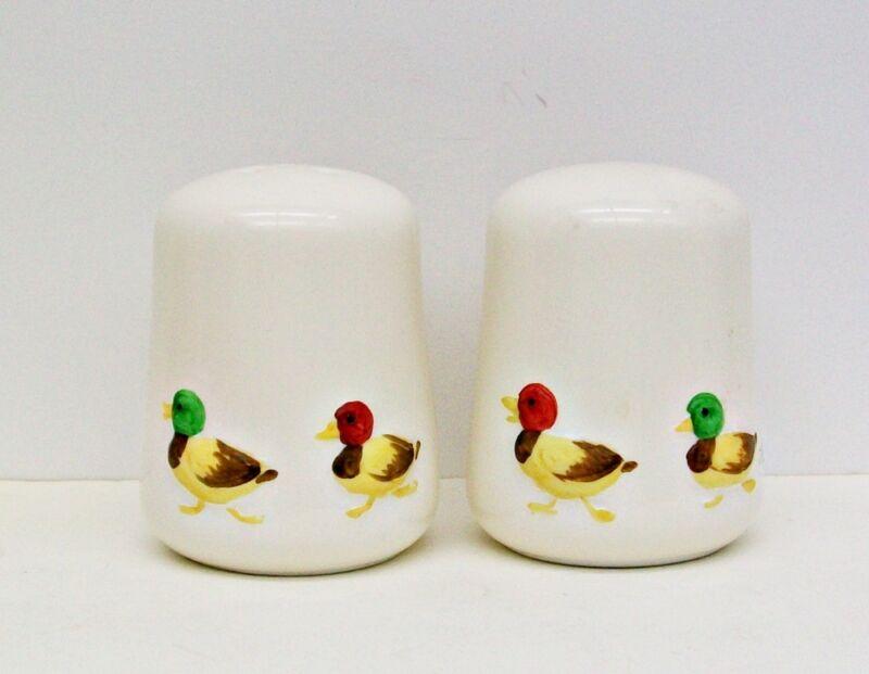 Pair SALT PEPPER Kitchen Shakers DUCKS Mallards BIRDS Ceramic China w/ STOPPERS