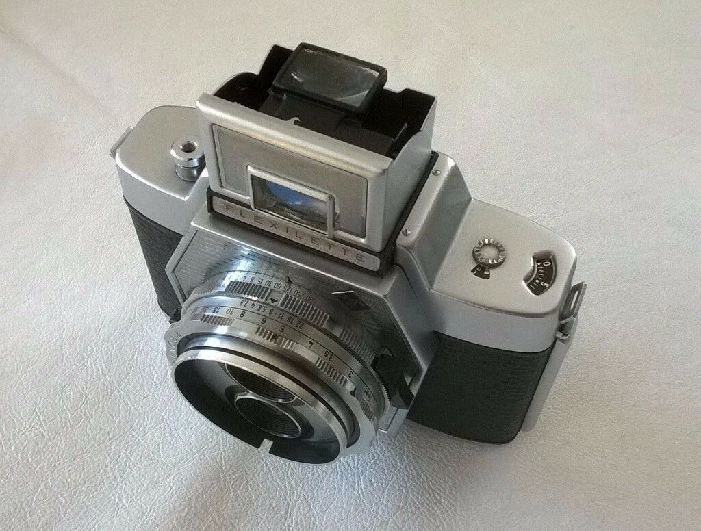 agfa flexilette ( vintage 1960s ) twin lens reflex 35 mm film camera