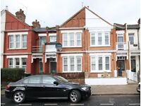 A FANTASTIC 2 BED/BEDROOM - 2 BATHROOM - GARDEN FLAT - CROUCH END - N8