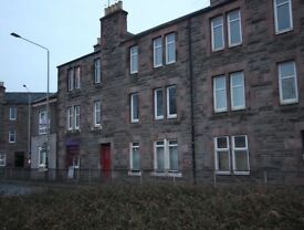 2 Bed Flat, Crieff Road, Perth - refurbished, new kitchen