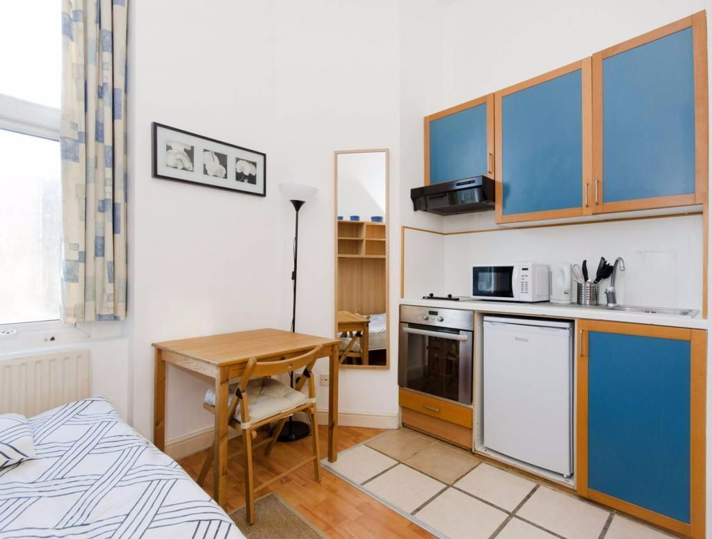 Earls Court - Modern and fully furnished studio flat, bills included *