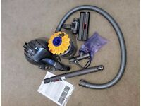 Vacuum Hoover DYSON DC28 BRAND NEW + WARRANTY & NEVER USED - £120