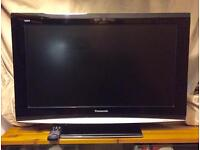 """32"""" Widescreen HD Panasonic Viera LCD TV - With Freeview and working remote"""