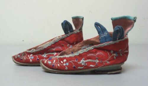 19th C. Chinese / Japanese Silk Embroidered Bound Feet Shoes / Slippers
