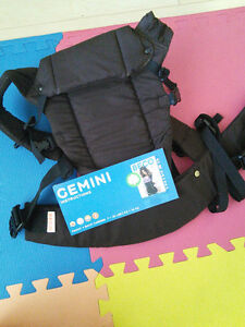 Baby Carrier, front & back, like new - Gemini