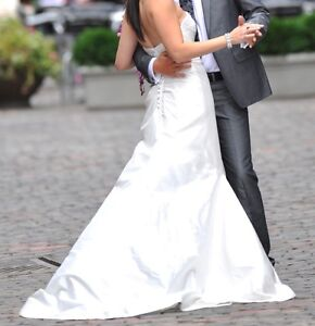 Beautiful Wedding Gown for Sale!