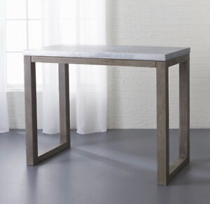 Selling: Modern Kitchen Table, mint condition