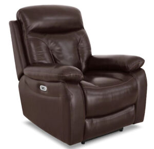 HAYES LEATHER POWER RECLINER - In New Condition!!
