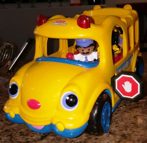 Fisher-Price Little People Lil Movers School Bus