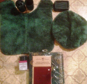 Brand New Green toilet mats and curtain for sale