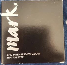 Mark epic intense eyeshadow mini palette