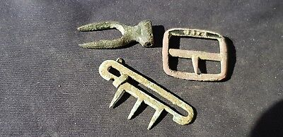Nice 1700 hundreds copper alloy buckle lot, please read description. L90p