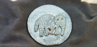 Unreachered very old lead disc with Elephant & on reverse markings Indian? L113L