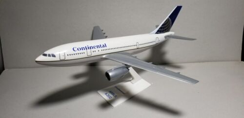 FLIGHT MINATURE CONTINENTAL AIRLINES (NC) A300 1:200 SCALE PLASTIC SNAPFIT MODEL