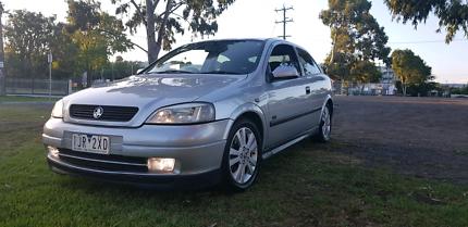 Holden astra turbo sri manual hatchback cars vans utes holden astra sri fandeluxe Images