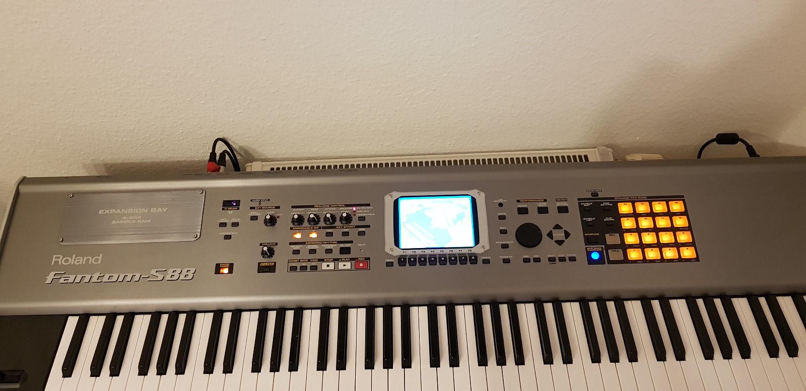 Roland Fantom S88 Keyboard, Sampler, Sequencer, Workstation, 88-Tasten !!!
