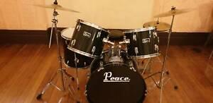 Drum kit (Peace)