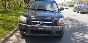 2009 Hyundai Tucson. 3 months warranty