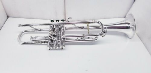 VINTAGE CLEVELAND MUSICAL INSTRUMENTS Bb TRUMPET IN SILVER PLATE FINISH.