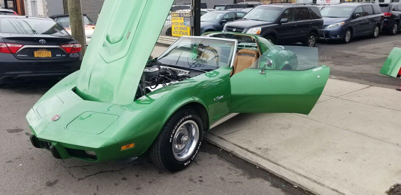 1975 Green Chevrolet Corvette   | C3 Corvette Photo 1