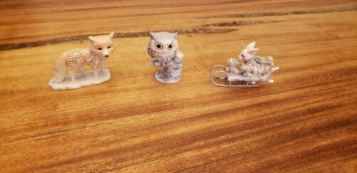 Jim Shore 4058739 White Woodland Animals - Owl, Fox, Bunny & Squirrel On Sled