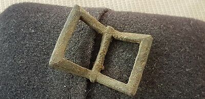 Lovely Tudor bronze buckle L63o