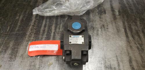 NEW Vickers 593916  RCT-06-F2-30 Pressure Control Valve.   shelf-s3