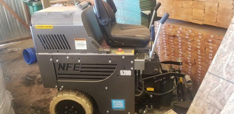 National 5700 Ride-on floor scraper