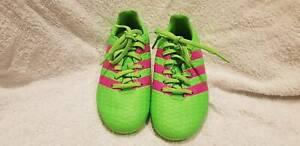 Soccer boots kids NEW