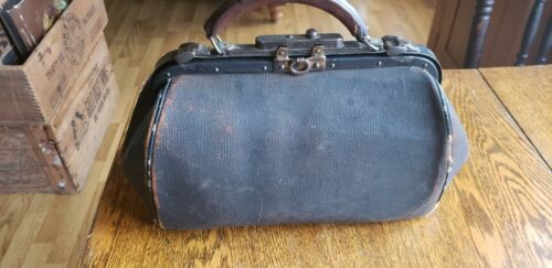 Vintage leather Doctor Bag medicine