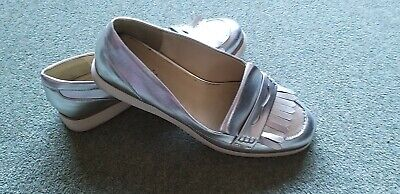 Ladies Stylish Silver Shoes Size 5 By LIMITED COLLECTION