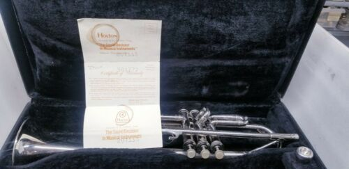 HOLTON T401 GALAXY TRUMPET ORIGINAL FINISH WITH CASE & MOUTH PIECE.