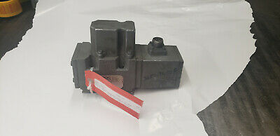Moog 641-216b Servo Proportional Valve Used Working. Shelf G5