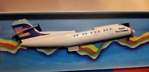 WOOSTER MODELS (W247) ANSETT AIRLINES DASH-8 1:150 SCALE PLASTIC SNAPFIT MODEL