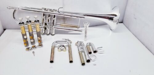 YAMAHA YTR-6335HS TRUMPET SILVER PLATE WITH ORIGINAL CASE MADE IN JAPAN.