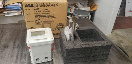 ABB TB82TE1010110  TB82TE 2-Wire Conductivity Transmitter, Pipe Mounting.  NEW