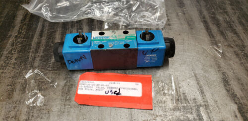 USED Vickers 02-109686 DG4V-3S-2C-M-U-B5-60 Control Valve. shelf f5