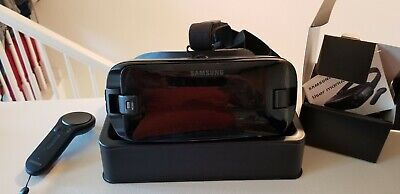 Samsung Gear VR R324 with Controller - Powered by Oculus for S8, S7, S6, Note 5