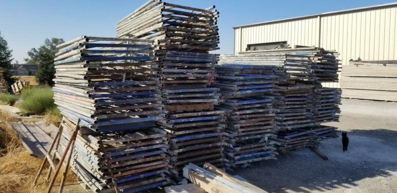 Stucco Plastering Scaffolding Staging Lot (READ DESCRIPTION)
