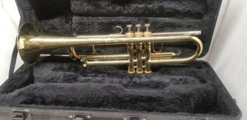 KING 601 TRUMPET WITH ORIGINAL CASE, JUST SERVICED.