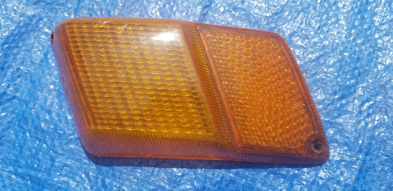 1976 BMW 530I RH Passenger Side Marker Lamp Lens. (fits on fender) Used
