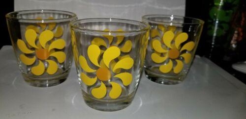 Vtg Hazel Atlas Sour Cream Glasses Yellow Daisy Mod Retro Set of 3